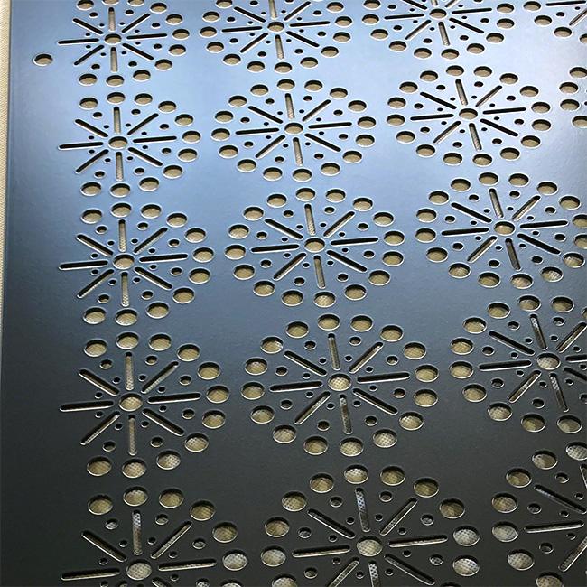 パンチぐメタルの機能にデザイン性をプラスした内外装パネル(デザインパンチング No. 5060)