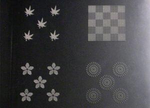 樹脂パンチングの加工例(ポリカーボネート板への4種の柄の孔あけ加工)